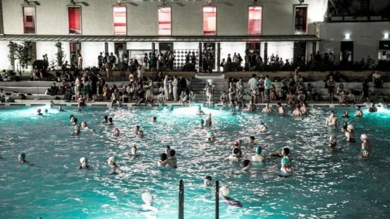 in piscina di notte ai bagni misteriosi: prezzi e orari dell