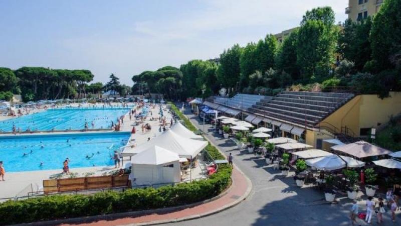 L 39 arena del gusto i ristoranti delle piscine di albaro tra hamburger sushi e bio genova - Prezzi piscine albaro ...
