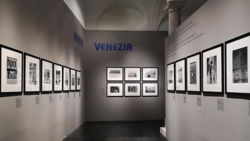 Al Ducale le foto di Fulvio Roiter in mostra: un viaggio in bianco e ...