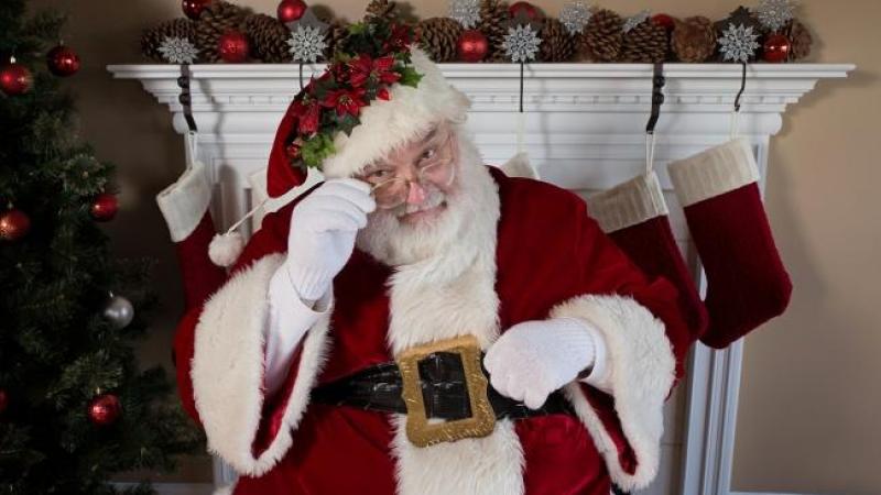 Percorso Babbo Natale.Dove Incontrare Babbo Natale In Piemonte Tra Case Grotte Boschi E