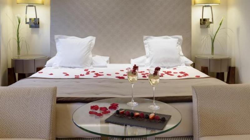Bagno Romantico San Valentino : San valentino al melià di genova: una serata romantica tra