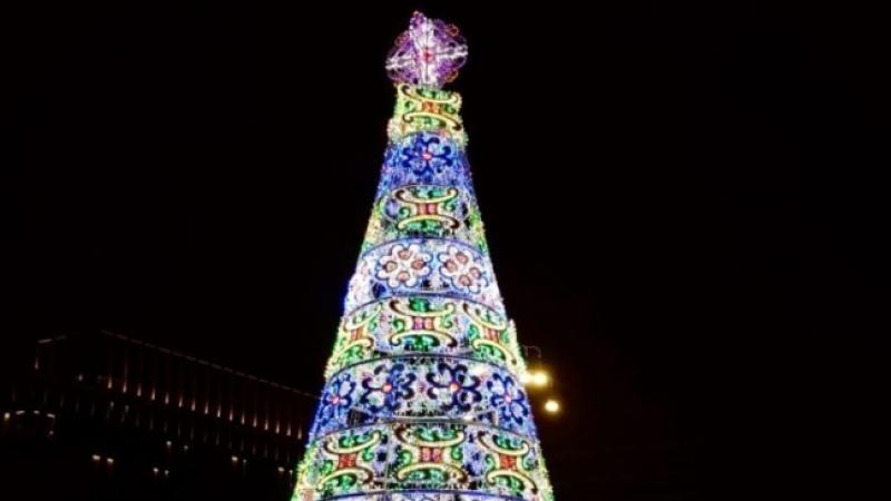 Albero Di Natale A Torino.Accensione Dell Albero Di Natale In Piazza San Carlo Un Natale Magico Torino